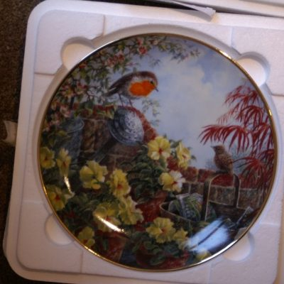 Danbury Mint The Mother Robin The Flying Lesson Plate