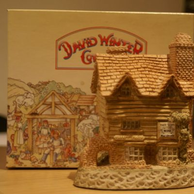 David Winter Cottages Wine Merchant 1980