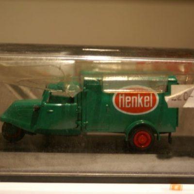 Schuco Tempo Hanseat Henkel green in 1:43 scale 81042