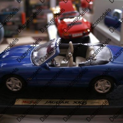 Maisto-Jaguar-XK8-Blue-1996-31836-118-scale-172554227057